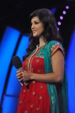 Sunny Leone On the sets of Bigg Boss 5 with Players star cast on 31st Dec 2011 (266).JPG