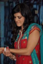 Sunny Leone On the sets of Bigg Boss 5 with Players star cast on 31st Dec 2011 (282).JPG