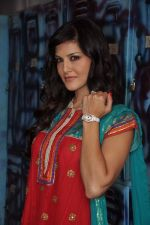 Sunny Leone On the sets of Bigg Boss 5 with Players star cast on 31st Dec 2011 (283).JPG