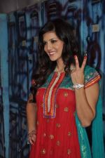 Sunny Leone On the sets of Bigg Boss 5 with Players star cast on 31st Dec 2011 (295).JPG
