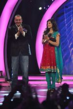 Sunny Leone, Sanjay Dutt On the sets of Bigg Boss 5 with Players star cast on 31st Dec 2011 (226).JPG