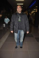 Aditya Chopra returns from their vacation on 2nd Jan 2012 (22).JPG