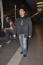 Aditya Chopra returns from their vacation on 2nd Jan 2012 (24).JPG