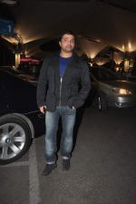 Himesh Reshammiya returns from their vacation on 2nd Jan 2012 (17).JPG