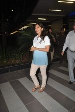 Juhi Chawla returns from their vacation on 2nd Jan 2012 (40).JPG