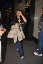 Rani Mukherjee returns from their vacation on 2nd Jan 2012 (24).JPG