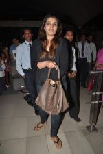 Raveena Tandon returns from their vacation on 2nd Jan 2012 (30).JPG