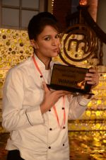 SHIPRA KHANNA WINS MASTERCHEF INDIA SEASON 2 (3).JPG