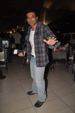 Uday Chopra returns from their vacation on 2nd Jan 2012 (27).JPG