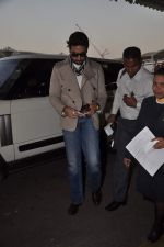 Abhishek Bachchan with Players stars snapped at airport in Mumbai on 3rd Jan 2012 (16).JPG