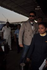 Abhishek Bachchan with Players stars snapped at airport in Mumbai on 3rd Jan 2012 (19).JPG