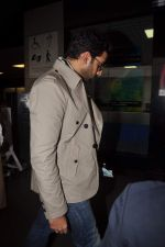 Abhishek Bachchan with Players stars snapped at airport in Mumbai on 3rd Jan 2012 (21).JPG