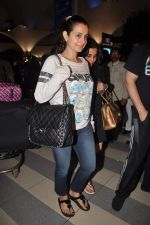 Amisha Patel return from Dubai on 3rd Jan 2012 (41).JPG