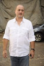 Anupam Kher at Anupam Kher_s book launch in Le Sutra on 3rd Jan 2012 (36).JPG