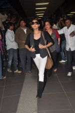 Gauri Khan return from Dubai on 3rd Jan 2012 (52).JPG