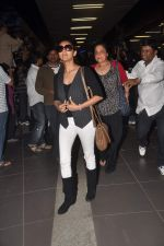 Gauri Khan return from Dubai on 3rd Jan 2012 (53).JPG