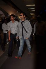 Karan Johar return from Dubai on 3rd Jan 2012 (5).JPG