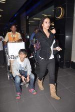 Malaika Arora Khan return from Dubai on 3rd Jan 2012 (18).JPG