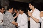Rishi Kapoor at Sunil and Dharmesh Darshan_s dad_s prayer meet in Santacruz on 3rd Jan 2012 (82).JPG