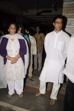 Sanjay Suri at Sunil and Dharmesh Darshan_s dad_s prayer meet in Santacruz on 3rd Jan 2012 (78).JPG