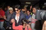 Shahrukh Khan return from Dubai on 3rd Jan 2012 (69).JPG