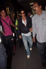 Shahrukh Khan return from Dubai on 3rd Jan 2012 (80).JPG