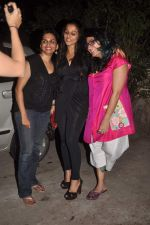 Vidya Balan, Niharika Khan at designer Niharika Khan_s house bash in Yari Road on 3rd Jan 2012 (43).JPG