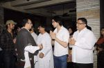 Vivek Vaswani at Sunil and Dharmesh Darshan_s dad_s prayer meet in Santacruz on 3rd Jan 2012 (130).JPG