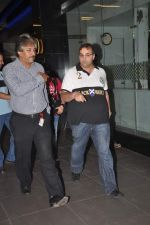 snapped at the airport in Mumbai on 4th Jan 2012 (11).jpg