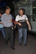snapped at the airport in Mumbai on 4th Jan 2012 (12).jpg