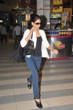 snapped at the airport in Mumbai on 4th Jan 2012 (2).jpg