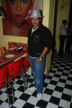 Navin Prabhakar at Model Ram_s birthday bash in Sheesha Lounge on 6th Jan 2012 (21).JPG