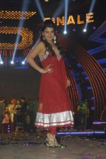 Shraddha Sharma at Bigg Boss Season 5 grand finale on 7th Jan 2012 (71).JPG