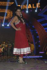 Shraddha Sharma at Bigg Boss Season 5 grand finale on 7th Jan 2012 (72).JPG