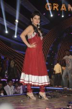 Shraddha Sharma at Bigg Boss Season 5 grand finale on 7th Jan 2012 (73).JPG