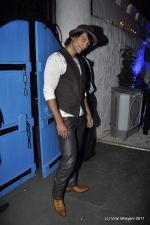 Akashdeep Saigal at the Launch of Dabboo Ratnani_s Calendar 2012 in Mumbai on 9th Jan 2012 (85).JPG