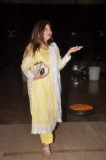 Alka Yagnik at Faarah Khan_s bday bash on 9th Jan 2012 (36).JPG
