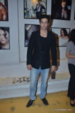 Muzammil Ibrahim at the Launch of Dabboo Ratnani_s Calendar 2012 in Mumbai on 9th Jan 2012 (188).JPG