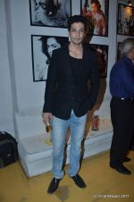 Muzammil Ibrahim at the Launch of Dabboo Ratnani_s Calendar 2012 in Mumbai on 9th Jan 2012 (189).JPG