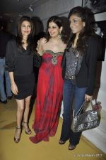 Queenie Dhody at the Launch of Dabboo Ratnani_s Calendar 2012 in Mumbai on 9th Jan 2012 (30).JPG