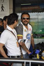 Aashish Chaudhary at CCL Cricket stars snapped at the airport in Mumbai on 11th Jan 2012 (15).JPG