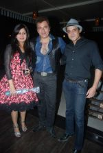 Avinash Wadhwan, Yash Tonk at Avinash Wadhwan bday bash in Andheri, Mumbai on 12th Jan 2012 (26).JPG