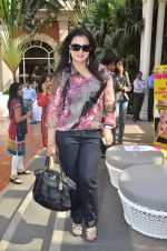 Poonam Dhillon at Kaali Puri_s book at FICCI Flo exhibition in ITC Parel on 12th Jan 2012 (96).JPG