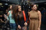 deanne pandey, alvira agnihotri and sangeeta bijlani at Shaina NC jewellery line for Gehna Jewellers in Bandra, Mumbai on 14th Jan 2012 (96).JPG