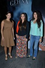 deanne pandey, alvira agnihotri and sangeeta bijlani at Shaina NC jewellery line for Gehna Jewellers in Bandra, Mumbai on 14th Jan 2012.JPG