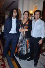 akshay kumar_s brother with sister alka and surendra hiranandani.JPG