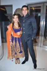 sanober kabir and rajeev singh at Zulfi Syed_s wedding reception on 15th Jan 2012.JPG