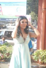 Koena Mitra at the launch of Looks Cosmetic Clinic in Lokhandwala on 17th Jan 2012 (2).JPG