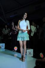 Genelia D Souza walk the ramp for Nishka Lulla Show at Kids Fashion Week day 3 on 19th Jan 2012 (10).JPG