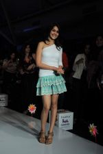 Genelia D Souza walk the ramp for Nishka Lulla Show at Kids Fashion Week day 3 on 19th Jan 2012 (11).JPG
